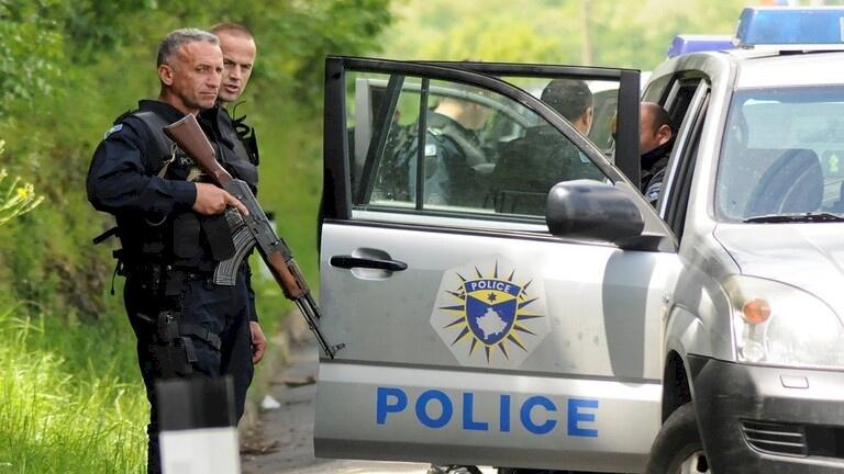 كوسوفو.. شرطية تقتل والديها وشقيقيها وتنتحر