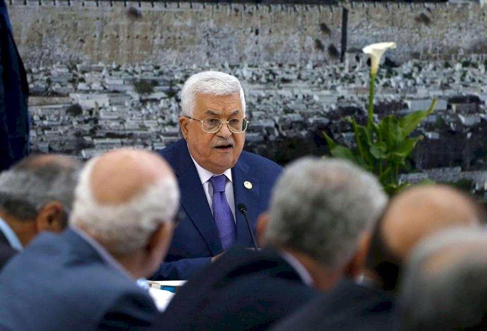عريقات: تحريض أمريكا وإسرائيل على الرئيس مستمر