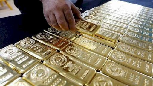 ارتفاع أسعار الذهب مدعومة بضعف الدولار
