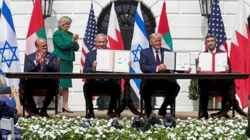 كيف علقت الرئاسة على توقيع اتفاق العار في واشنطن؟