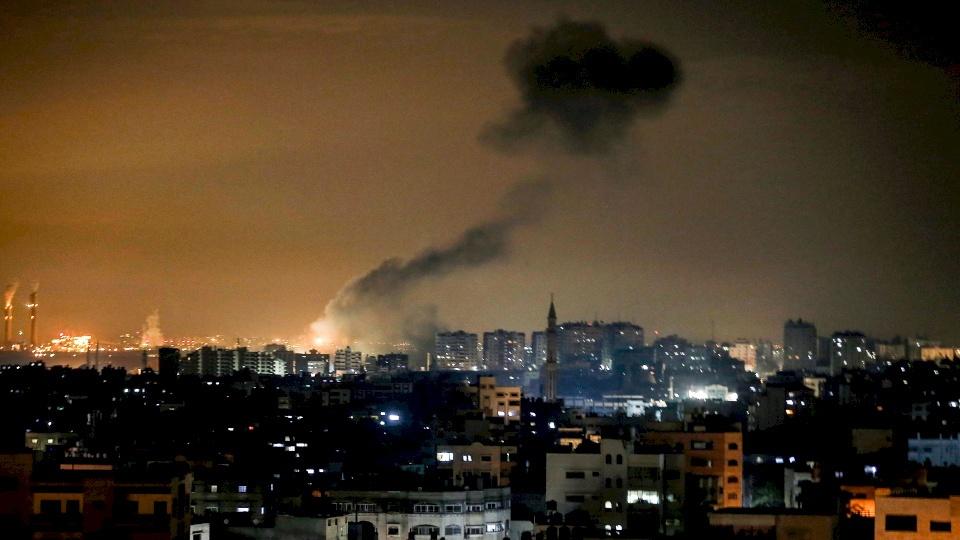 مخلفاً دماراً خراباً.. طيران الاحتلال يقصف غزة