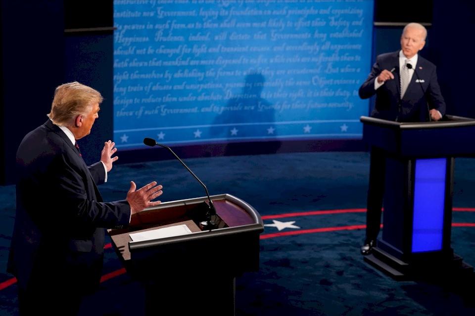فيديو: ترامب وبايدن في أول مناظرة.. تبادل اتهامات واشتباك لفظي