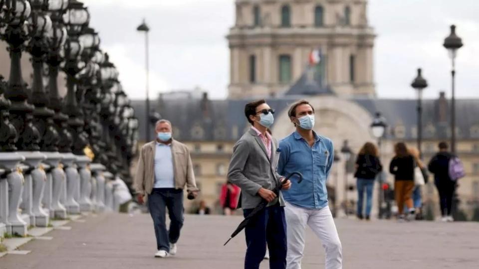 فرنسا: حصيلة غير مسبوقة بإصابات كورونا