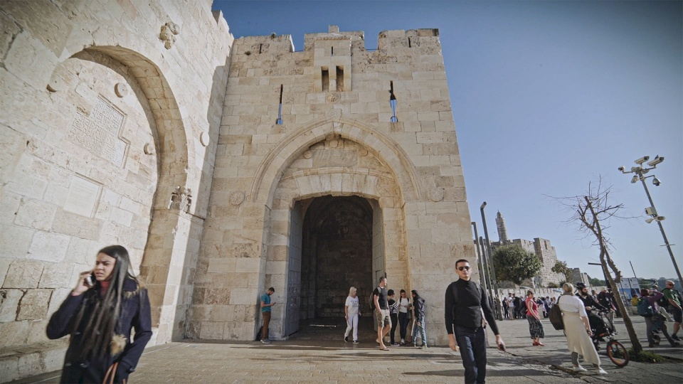 نائب محافظ القدس: الاحتلال يريد تحويل مدخل البلدة القديمة