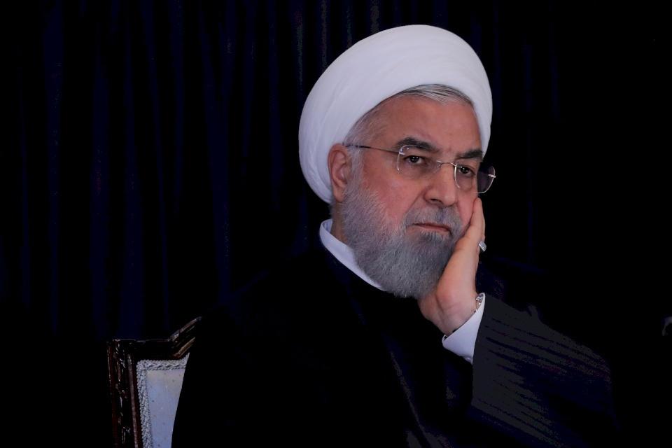 """برلماني إيراني يطالب بـ """"إعدام روحاني 1000 مرة"""""""