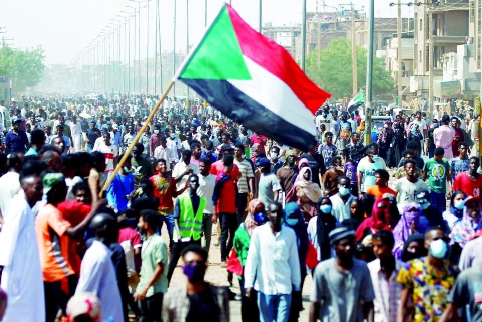 حزب سوداني عن التطبيع: باعونا جبال من الوهم