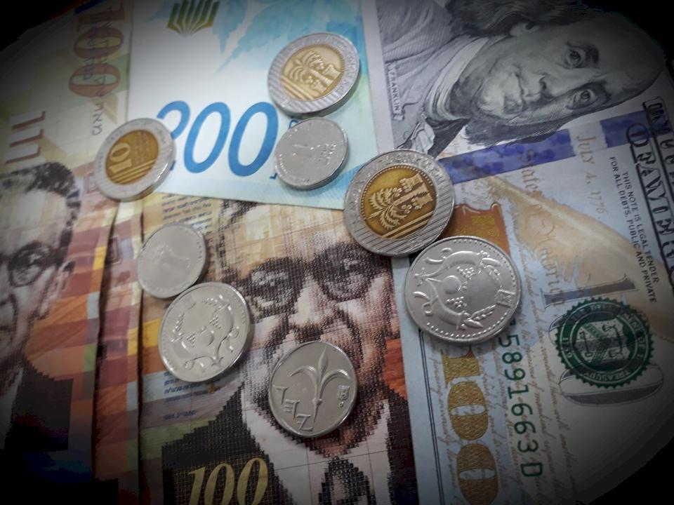 أسعار العملات: تراجع بأسعار الصرف مقابل الشيكل