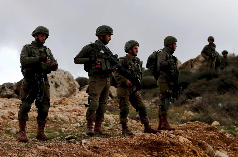 جيش الاحتلال يعلن العثور على عبوات جاهزة للتفجير قرب رام الله