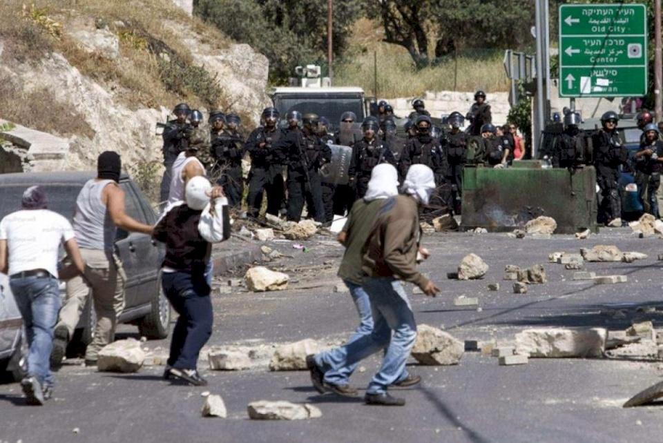 إصابات بتصدي مواطنين لمستوطنين حاولوا اقتحام اللبن الشرقية