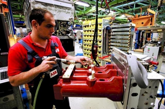 انخفاض الطلبيات الصناعية الألمانية أكثر من المتوقع