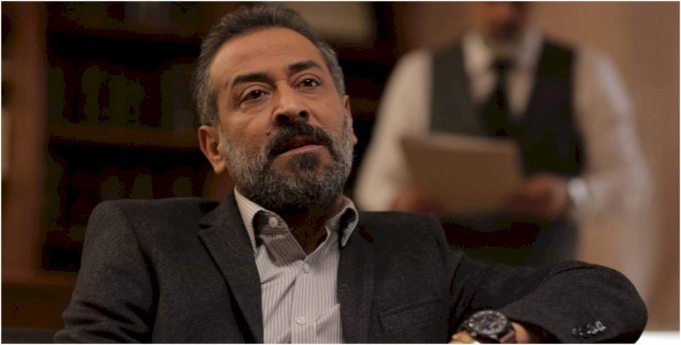 عبد المنعم عمايري: لا يمكن أن أظهر عاريا تماما في أي عمل درامي