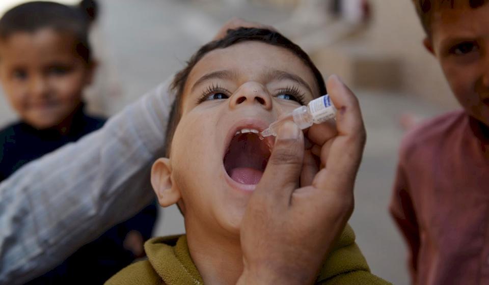 بسبب الإضراب- إرباك في برامج تطعيم الأطفال.. هل باتوا في دائرة الخطر؟!