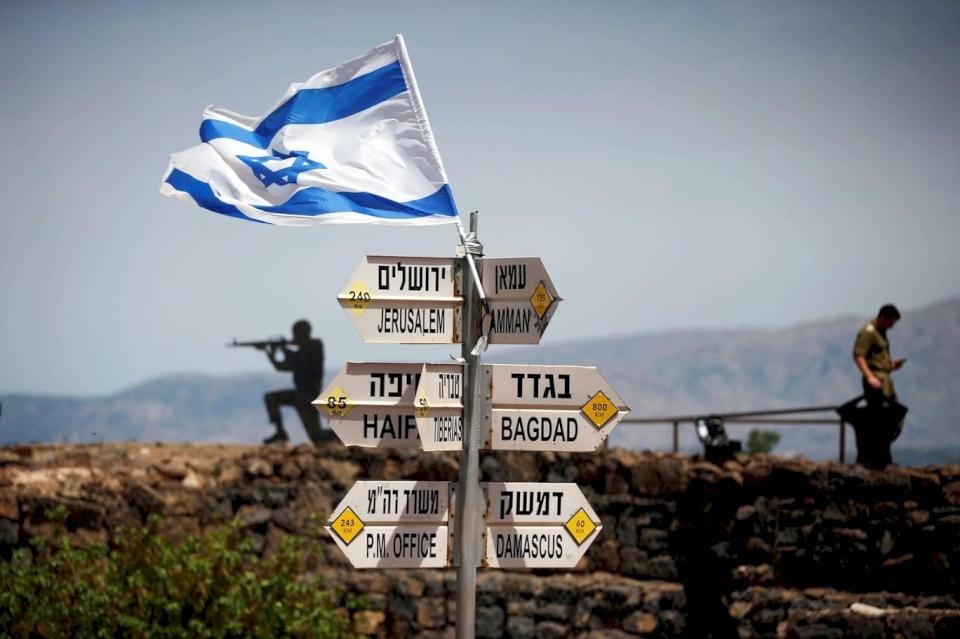 سيناتور أمريكي يدعو لتقييد مساعدات بلاده لإسرائيل