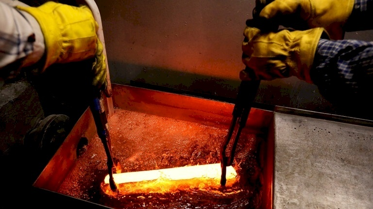 115 مرة أغلى من الفضة.. معدن نفيس يسجل مستوى تاريخيا