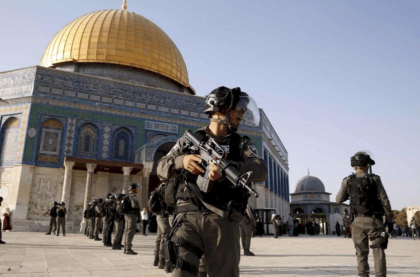 """فلسطينيون يحذرون من """"خديعة"""" إسرائيلية بعد منع المستوطنين من دخول الأقصى"""