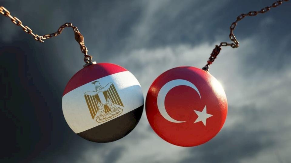 مصر وتركيا تلتقيان في منتصف الطريق وتحذيرات من تجدد العداء!