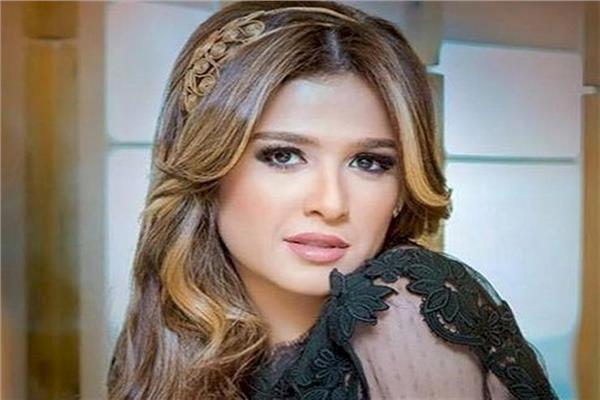 بعد دخولها في غيبوبة.. تطور جديد في حالة الفنانة ياسمين عبد العزيز