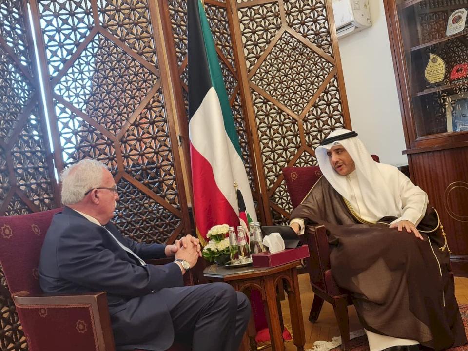 المالكي يطلع نظيره الكويتي على آخر التطورات المستجدات في فلسطين