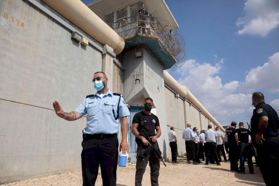 الإعلام العبري يكشف تفاصيل إضافية عن عملية جلبوع