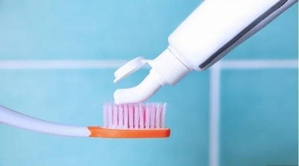 خبير: لهذا السبب تجنب تنظيف أسنانك بالفرشاة بعد الإفطار مباشرة