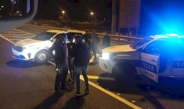 الشرطة تمنع وصول مصلين من أم الفحم وعكا إلى المسجد الأقصى