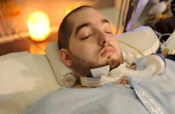 """أحدث ظهور للأمير الوليد بن خالد بن طلال """"النائم"""" منذ نحو 15 عاما (فيديو)"""